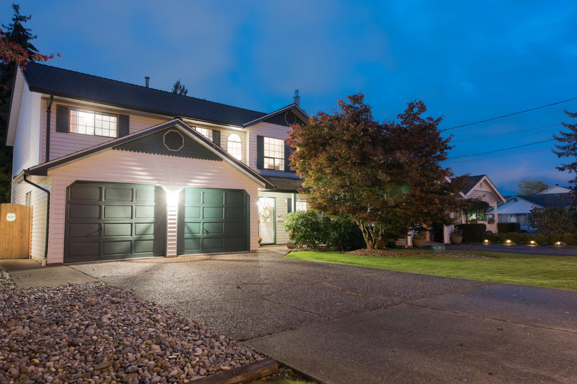 8923 204 Street, Walnut Grove, Langley